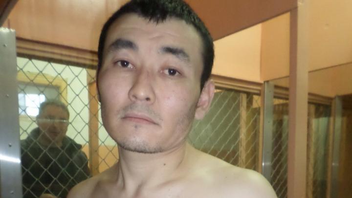 «Состоял в банде, грабившей торговцев»: подозреваемого в убийстве главы диаспоры отправили в СИЗО