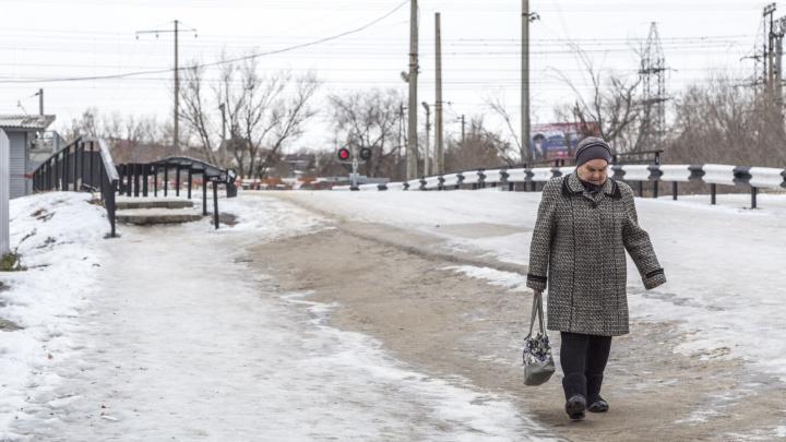 «Когда же его откроют?»: в Волгограде сорвали сроки ремонта переезда на Тулака