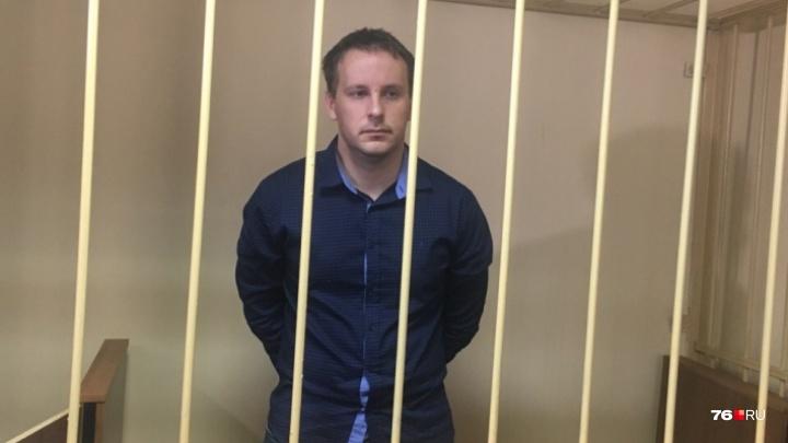 Бил заключённого по голове: суд продлил домашний арест фигуранту дела о пытках в ярославской колонии