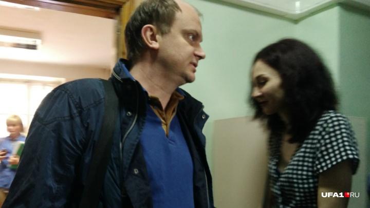 Обвиняемому в изнасиловании сотрудницы полиции Павлу Яромчуку продлили домашний арест