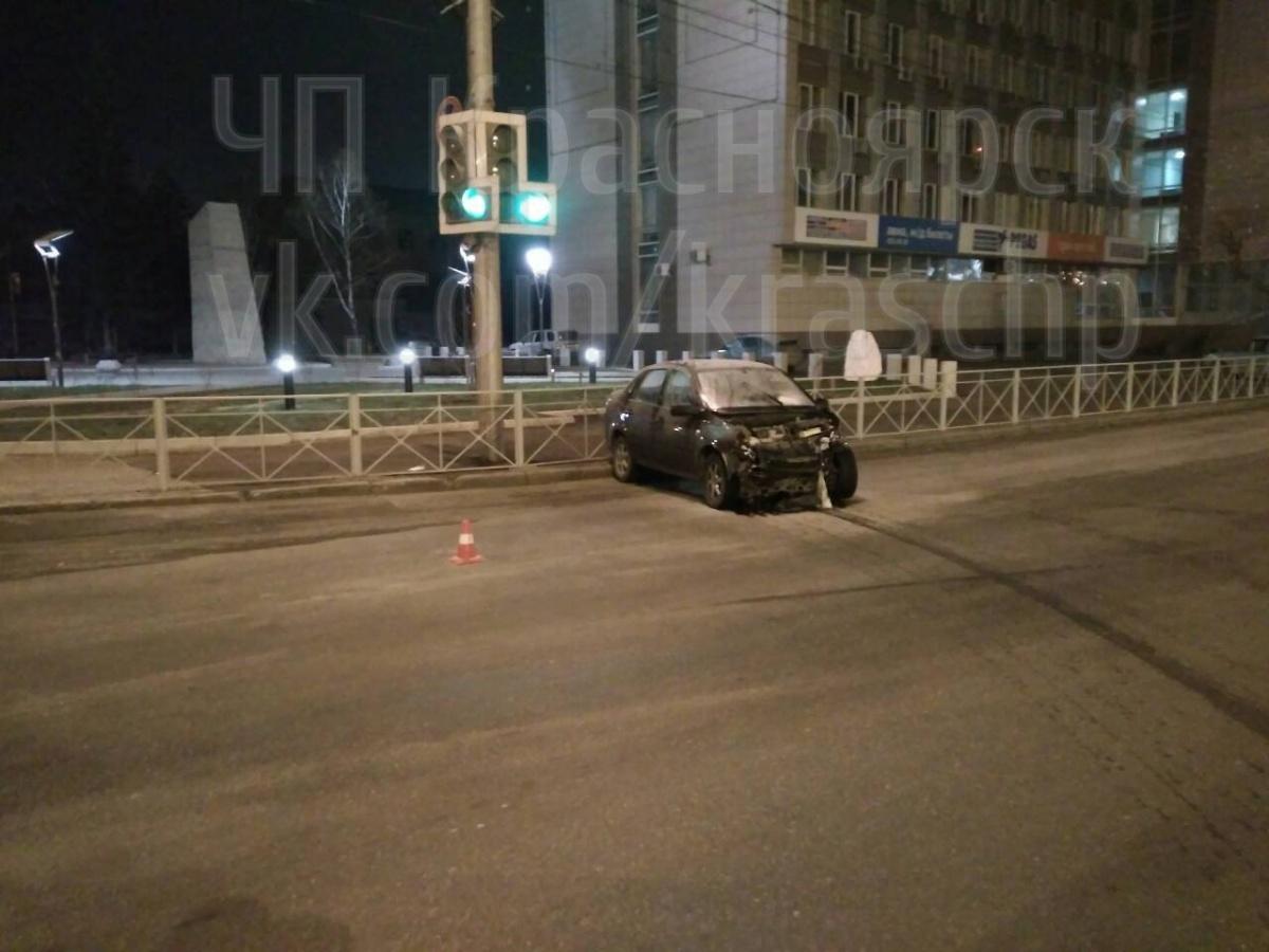 Из-за технического сбоя светофора вцентре разбились 5 авто