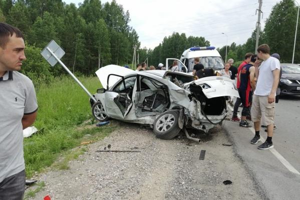 Несмотря на сильные повреждение автомобилей, пассажиры не пострадали