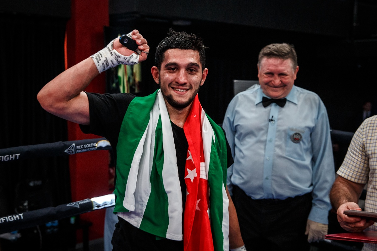 Абхазскому боксеру вручили ключи от автомобиля после победы в Екатеринбурге