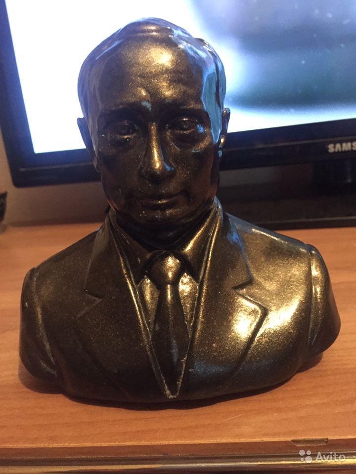 Бюстик Путина всего за 1 000 рублей