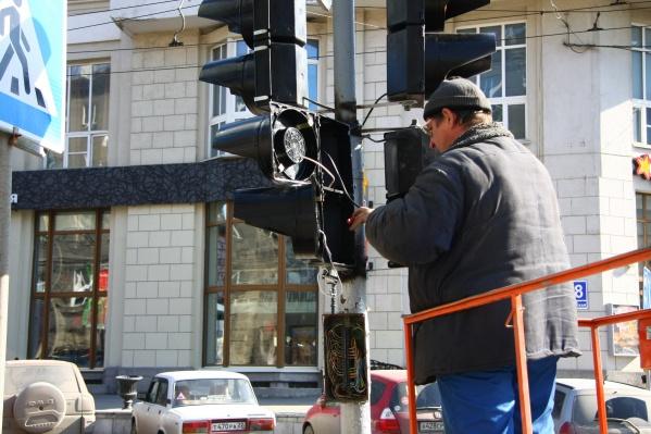 Работу светофора пообещали восстановить в ближайшее время