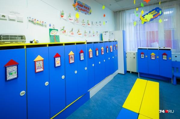 В комитете по делам образования отчитались, что в мае устроили в сады более 14 тысяч малышей