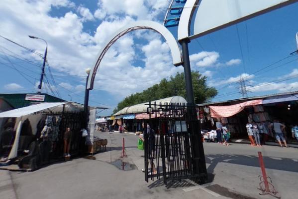 Кировский рынок является одним из крупных центров торговли на Безымянке