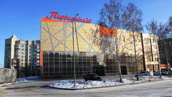 «Оформляли в стиле Первомая»: смотрим, как выглядят залы обновлённого омского кинотеатра