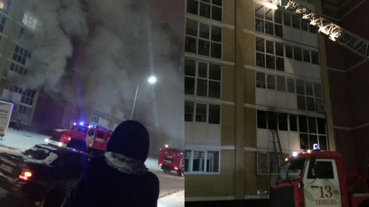 Сильный пожар в высотке на Кремлевской произошел из-за жильца, не выключившего электроприборы