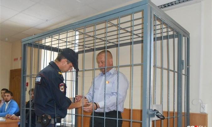 Требовал деньги с подчиненных: в Тольятти экс-военкома Попова опять отправили в колонию