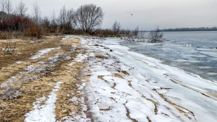 Дыхание зимы в 15 кадрах: ледяной фоторепортаж NN.RU с берегов Волги