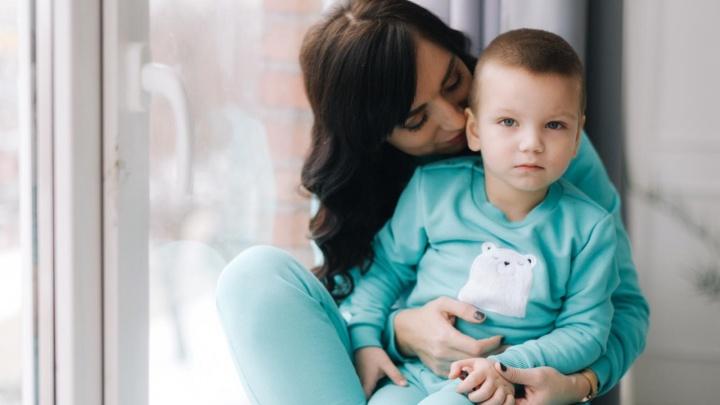 «Мама, я падаю»: трёхлетний малыш из Уфы попал в реанимацию после прививки