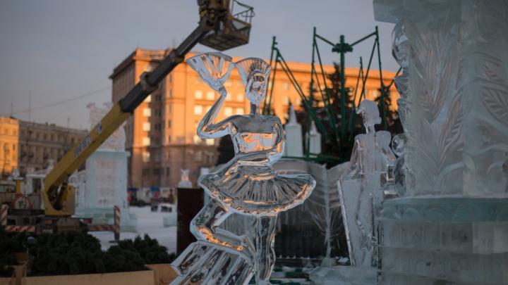 Драма и хрустальные слёзы: в последний раз любуемся ледяными фигурами на площади Революции