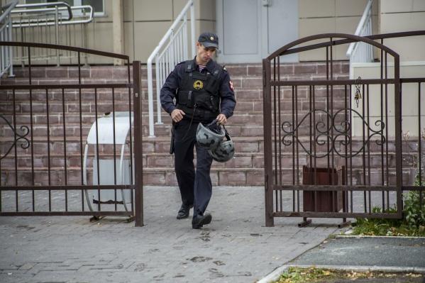 Что толкнуло школьницу на этот страшный поступок, предстоит выяснить следователям в рамках расследования уголовного дела