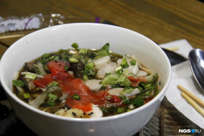 Рамен со свининой в кафе Kung Pho (230 рублей)