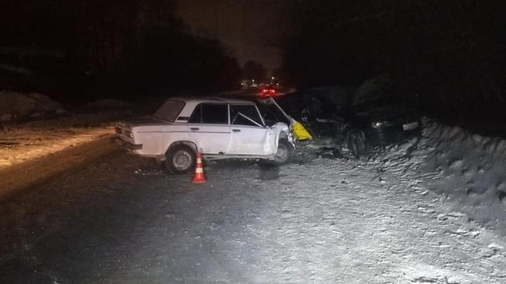 Шесть человек пострадали в аварии с Renault Logan и «Жигулями» на Толмачёвской