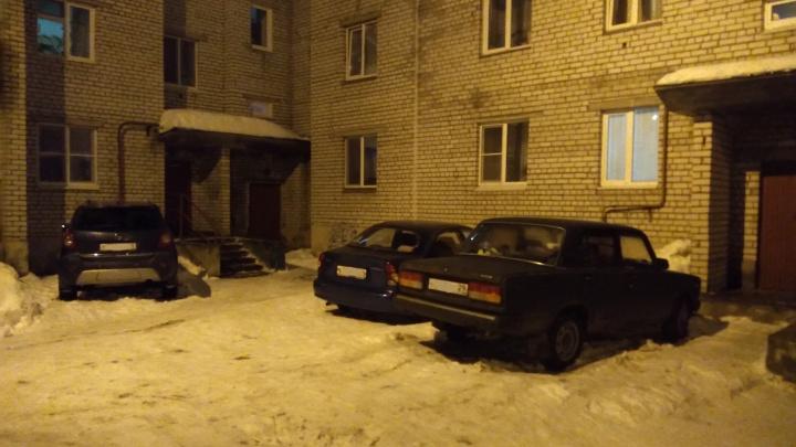 «Было много крови»: пожилой мужчина в Новодвинске убил супругу ножом
