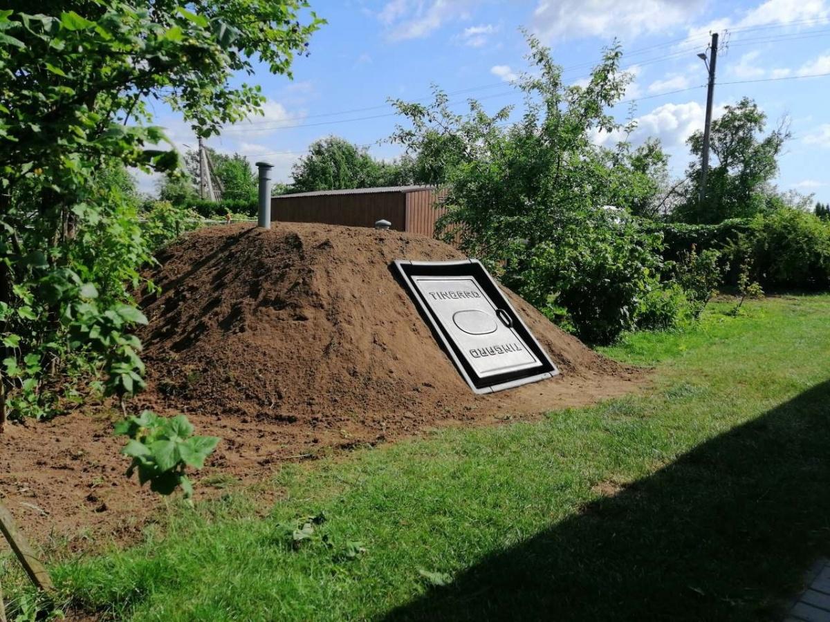 Смонтированный погреб с боковым входом