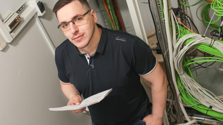 Минус 75,5 миллиона: брата координатора штаба Навального в Архангельске лишили доступа к счету