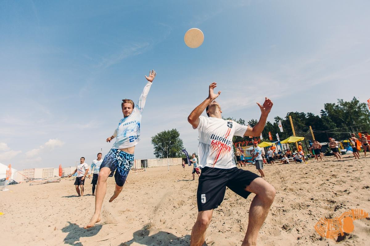 Это было легендарно: 20 тысяч человек весь день развлекались на фестивале «Электронный берег»