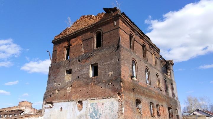Маршрут выходного дня: едем в Староуткинск на великолепные развалины демидовского завода
