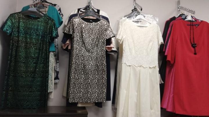 Магазин белорусской одежды устроил распродажу товаров перед закрытием