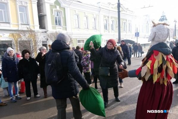 Вот такое масленичное веселье царило на Любинском проспекте в прошлом году