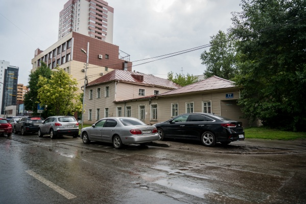 В качестве аргумента за новую высотку новосибирцы отметили, что в районе уже достаточно подобных зданий и новое испортит облик улицы не сможет