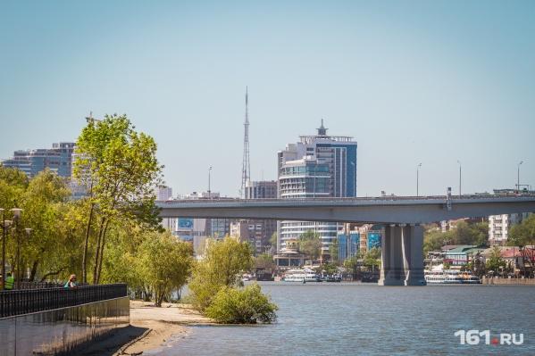 В своем видео Варламов раскритиковал парк на левом берегу