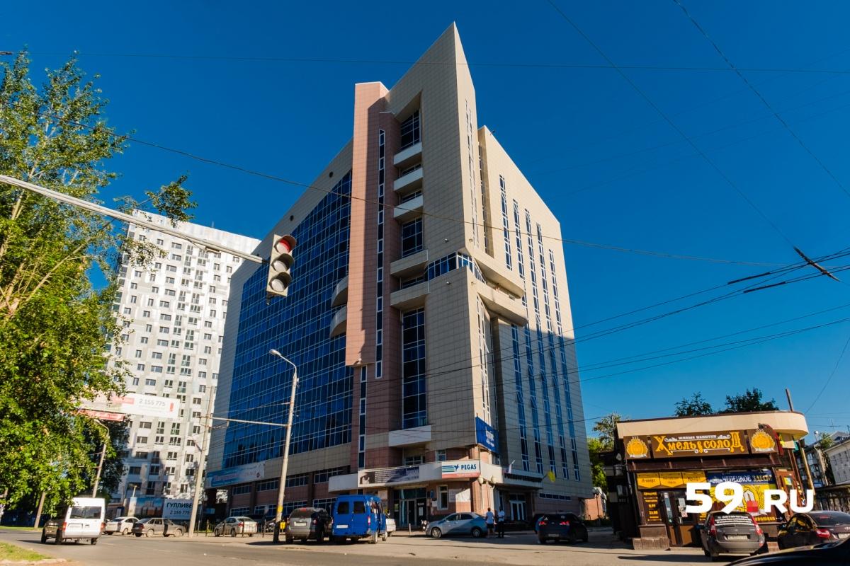 Здание имеет рабочую площадь 7000 квадратных метров