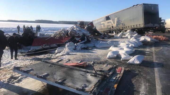 Лобовое столкновение двух грузовиков унесло жизнь 32-летнего водителя