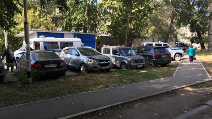 Курганец, за ночь проколовший шины 15 автомобилей, осуждён и возместит ущерб
