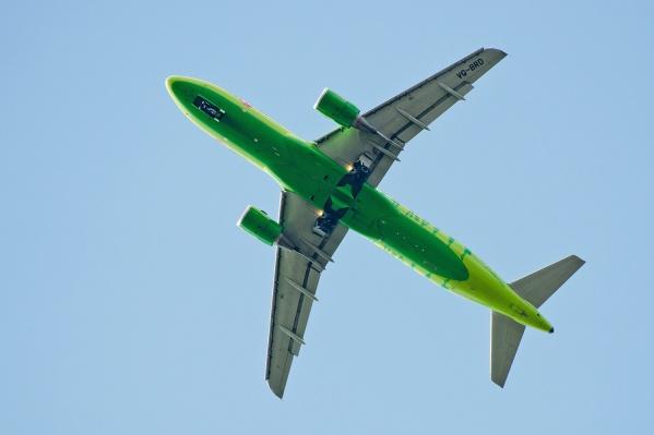 Самолёт летел из Новосибирска в Москву