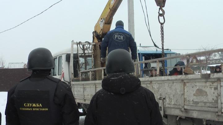 В Верхней Пышме приставы арестовали трансформатор
