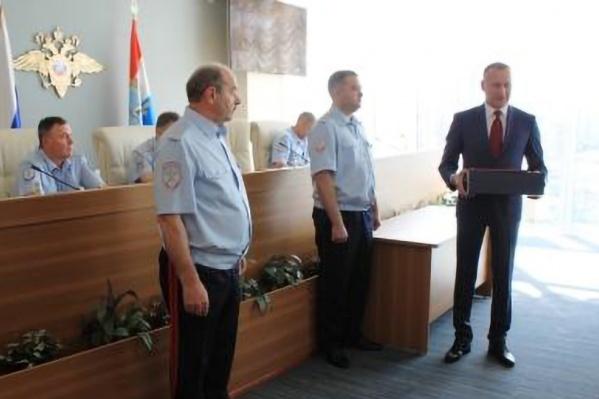 Церемония состоялась во время оперативного совещания у главы ГУ МВД России по Самарской области Александра Винникова