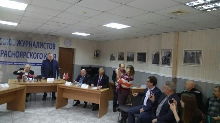 Школу Миндиашвили обвинили в подготовке боевиков: старый тренер ответил на нападки и расплакался