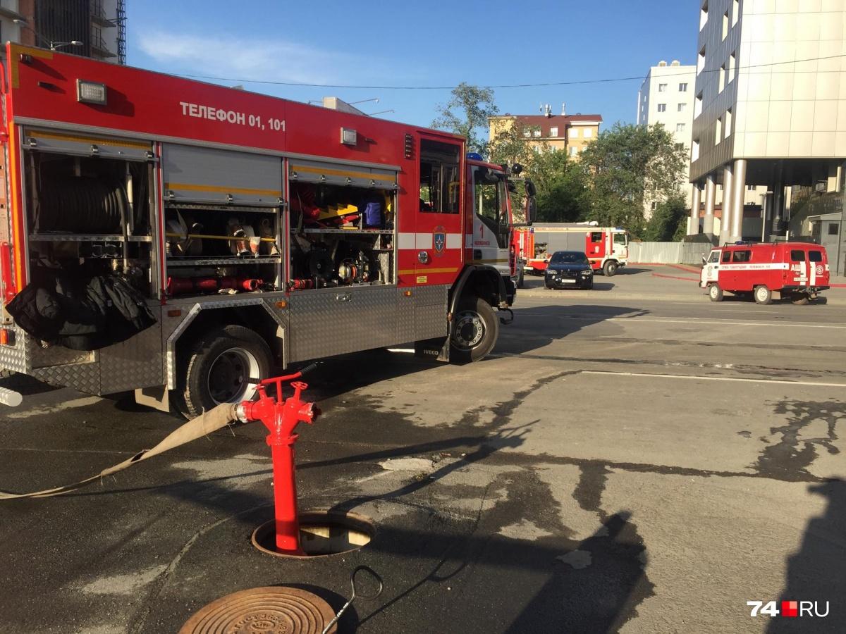 Пожарные проверили все гидранты