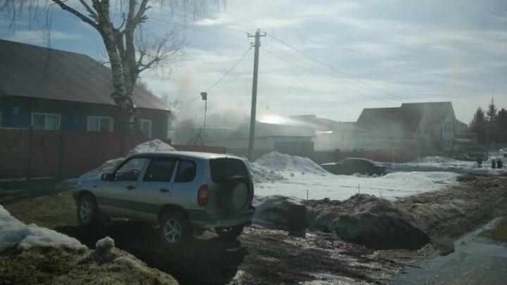 В Уфе загорелся жилой дом
