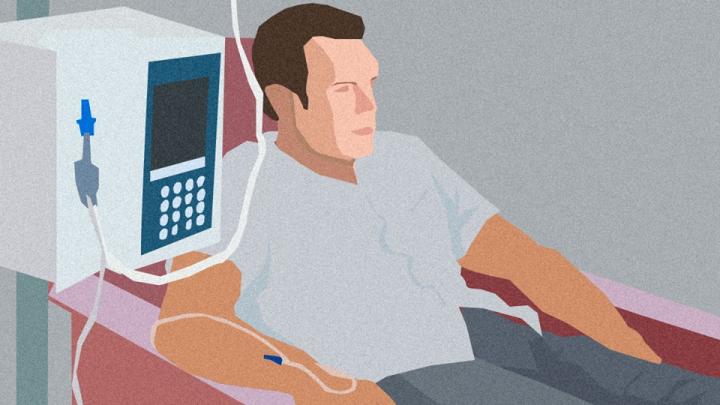 «Мы уже мертвые — врачи просто оттягивают время»: сотрудник уральского вуза — о том, как он лечится от рака