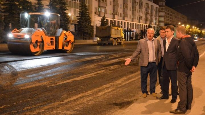 Ночной дозор: уфимский градоначальник проверил, как кладут асфальт