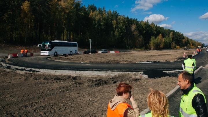 Хватит ли места длинномерам: тестируем длинную развязку, которую строят на Челябинском тракте - ЕКАД