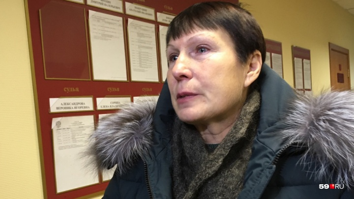 «Как мне теперь смотреть им в глаза»: лифтера признали виновной в гибели пермячки в жилом доме