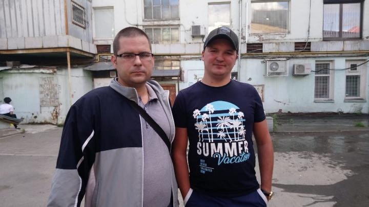 Мужчина, который спасал людей из горящего дома на Вайнера, приехал в Екатеринбург на операцию