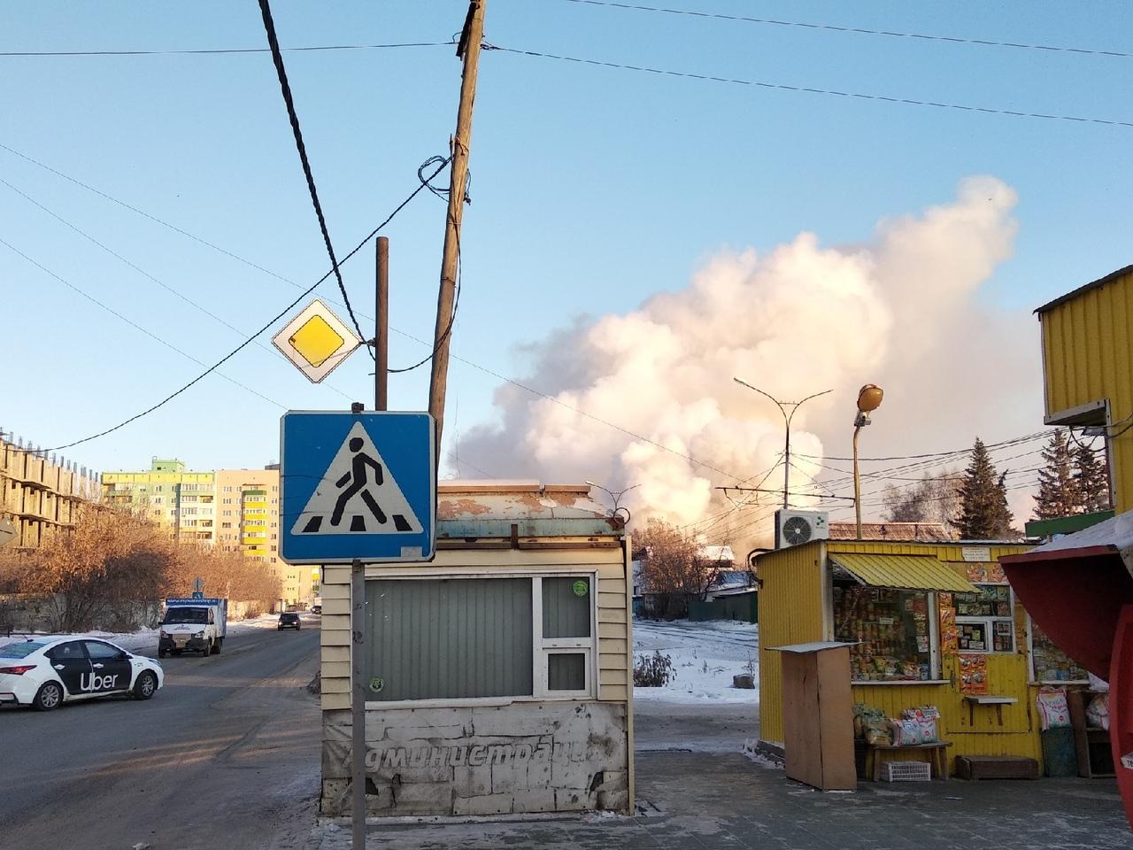Так дым от пожара выглядел издалека