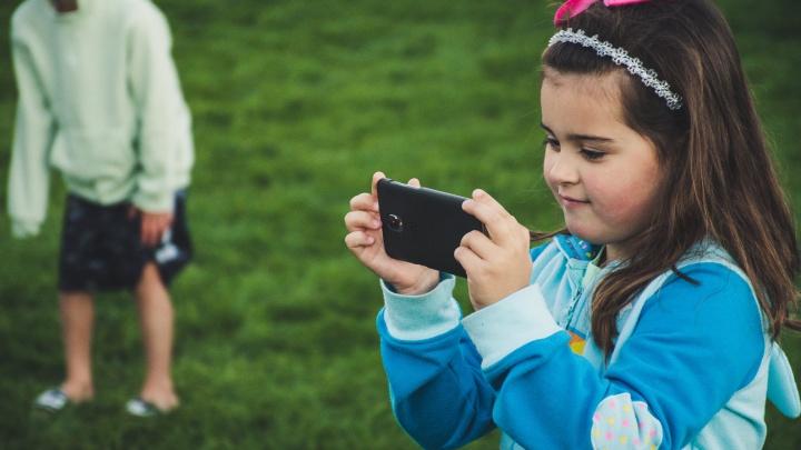 Грядки или смартфон: горожанин поделился опытом, как мотивировать детей поехать на дачу