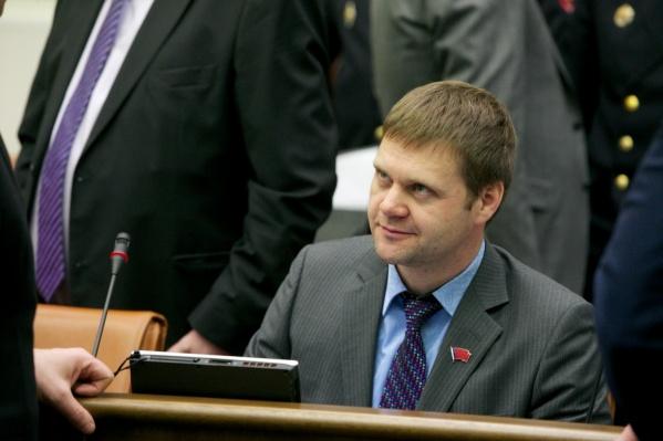 Принципиальный депутат ЗС Роман Гольдман рассчитался с долгом, который отрицал