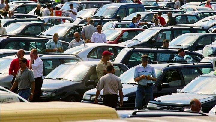 В Екатеринбурге сеть автосалонов приготовилась к росту клиентов из-за возможной отмены льгот в декабре