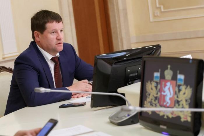 Сергей Бидонько говорит про участие в акциях в сквере так: «Молодым свойственно горячиться»