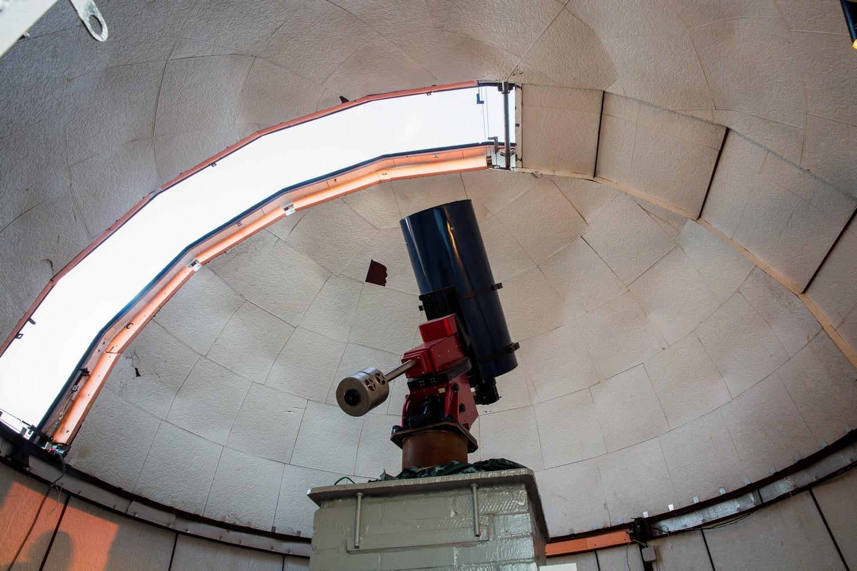 Телескоп «Парамаунт» прячется под куполом «Веги»