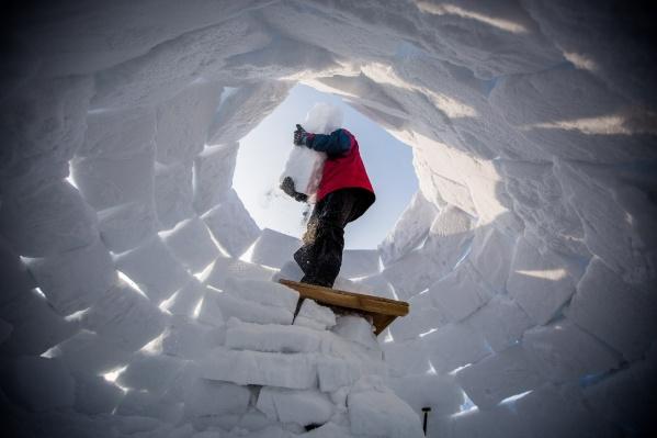 Новосибирцы построили 46 снежных домов